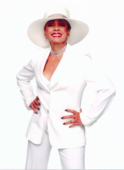 Destroy-Rock-And-Roll-Remix-Blog-Dame-Shirley-Bassey-Portrait-White-Suit